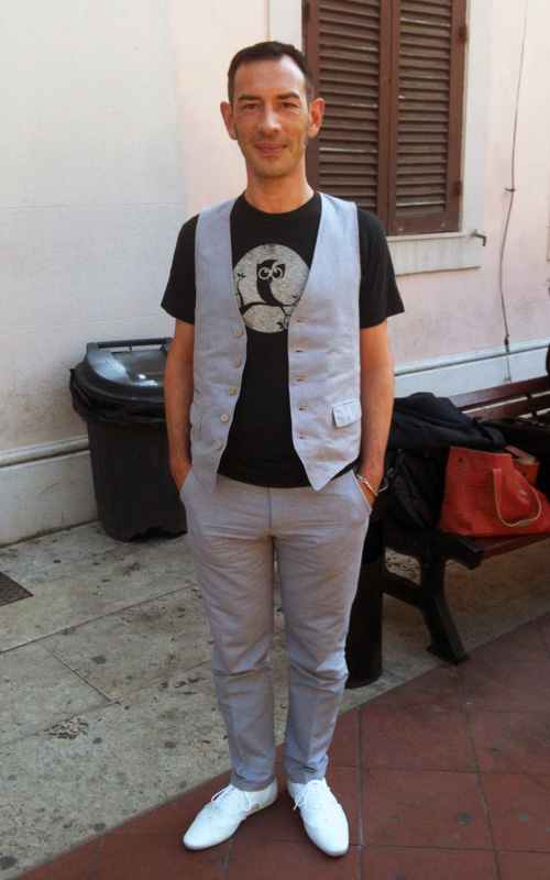 Enrico Bisetto con la t-shirt di Hootsuite